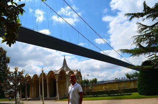 Beylerbeyi-Palast (Beylerbeyi Sarayı): Bosphorus Bridge
