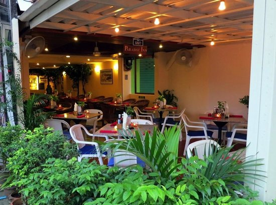 Paradise Grill: Dining Area