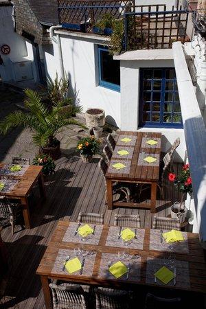 L'Insolite : Terrasse du restaurant
