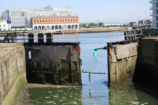 Photowalk Dublin: Dockland with O2