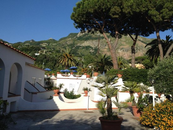 Park Imperial Hotel Terme : Aussicht vom Pool