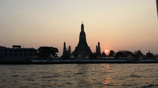 Templo del Amanecer (Wat Arun): Temple of Dawn - at sunset
