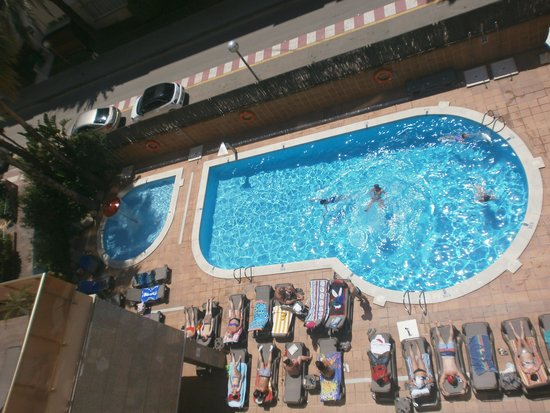 H·TOP Amaika: soit disant grande piscine