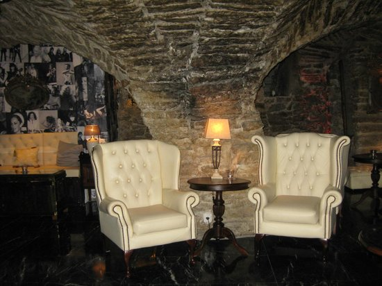 Hotel Schlossle: Lounge in the basement
