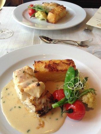 Mauritzberg Golf Resort: Smörstekt torskrygg med potatiskaka senapsås och pepparrot