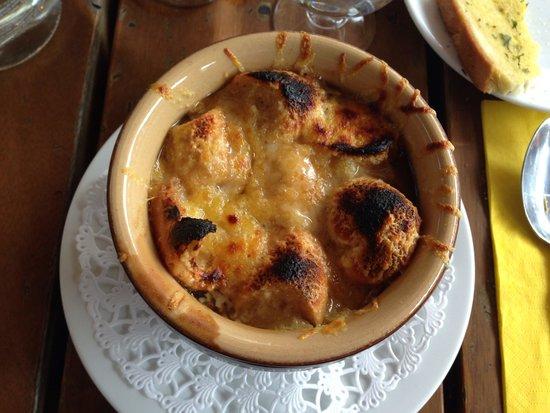 La Taverne de Chamouny: Zuppa di cipolle bruciata fatta con il dado