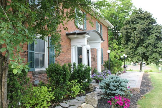 Bella of Ancaster - Philip Shaver House: Outside of Bellas