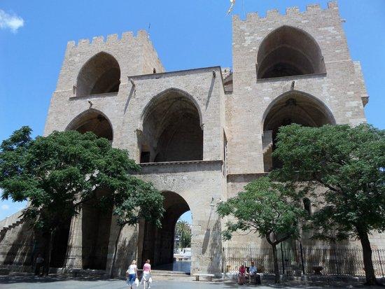 Torres de Serranos : The backside