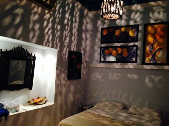 Riad Chorfa: habitación acogedora