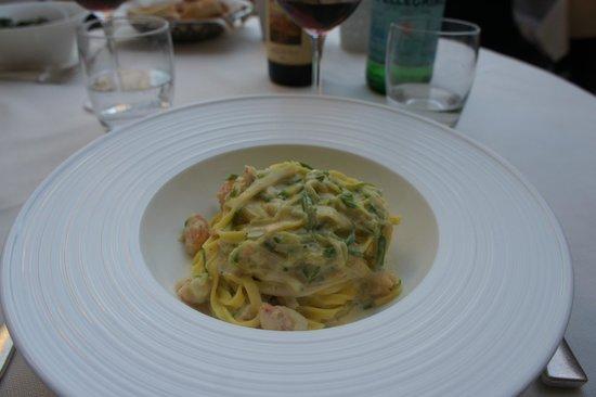 Ristorante Giglio: Linguini con zucchini e gamberi