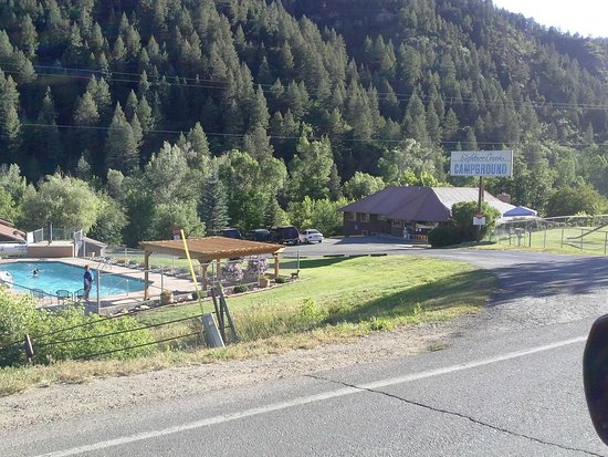 Lightner Creek Campground: Entrance to Lightner - camping is below the this area