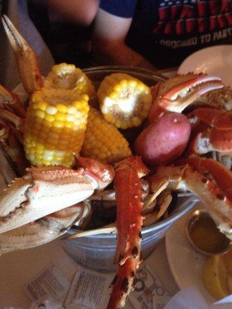 Christo's Palace: Bucket of Crab 2014
