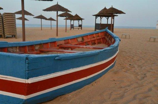 Melia Tortuga Beach Resort & Spa: Beach at sunrise