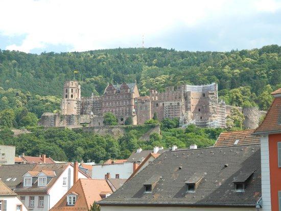 Schloss Heidelberg: Castle from the roman bridge.