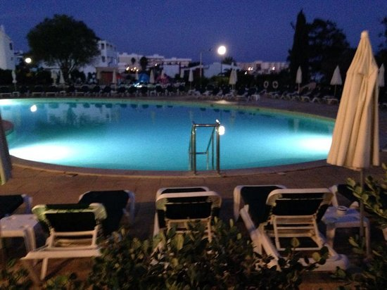 Vila Gale Atlantico : pool at night