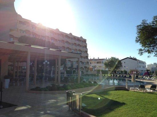 Vila Gale Atlantico : sunrise over the hotel