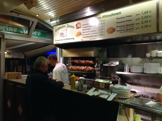 Schweine Janes: The delicious pork shank is the speciality of  the house