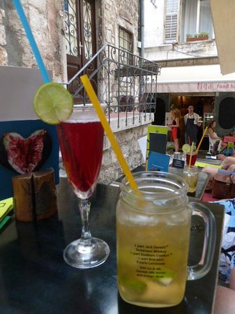 Villa Jerkan: Enjoying cocktails in Split!