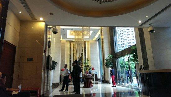 Leeden Hotel: Grand lobby