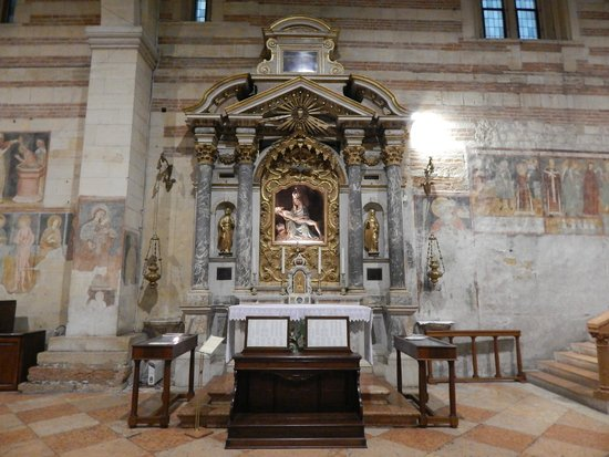 Basilica di San Zeno Maggiore: Particolare interno