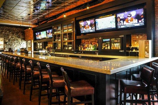 Johnny Rocco's KW - bar