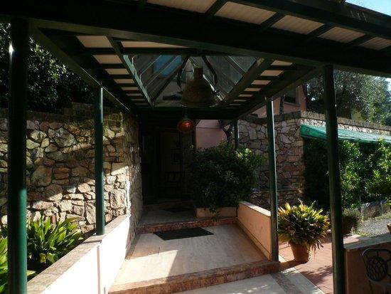 Albergo Santa Barbara: Przejście między budynkami