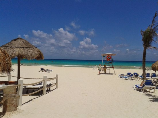 Viva Wyndham Azteca: beautiful beach