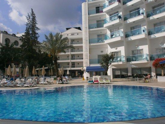 Blue Bay Platinum Hotel : piscine