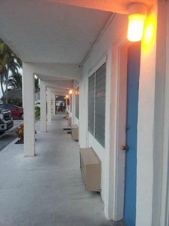 Key Colony Beach Motel: l'accès aux chambres