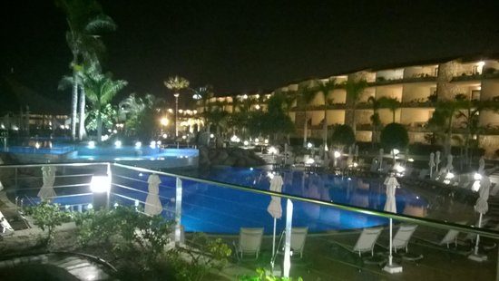 H10 Playa Meloneras Palace: hotel at night