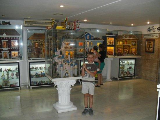 Valle del Guadalest: музей кукол в Гуаделесте