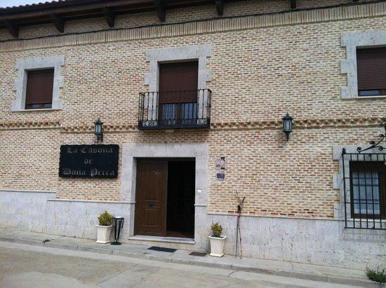 La Casona de Dona Petra: Entrata della Casona divinamente ristorante