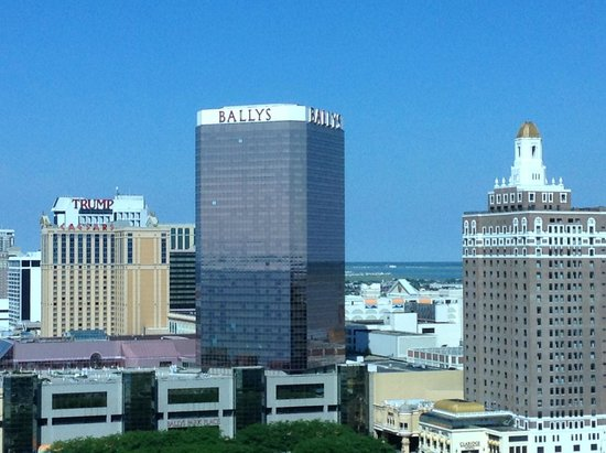 Atlantic Palace Suites: 23 Floor View of Bally's and Caezar's