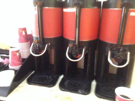 Atlantic Palace Suites: Coffee Setup Station
