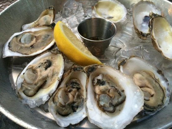 Winslow's Tavern : Wellfleet Oysters with Pernod Cucumber Mignonette