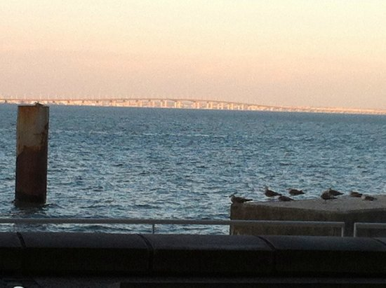 Orizon: In spite of the food and the service, there's the sunset on the Tejo
