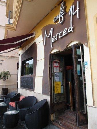 Merced 14 Lounge Bar