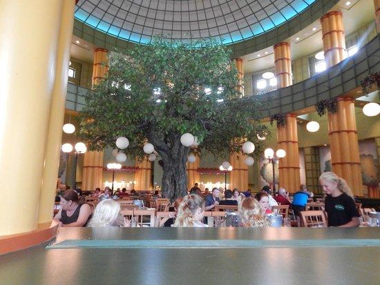 The Garden Grove: The centerpiece of the restaurant