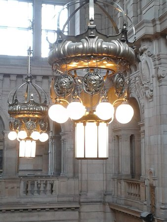 Kelvingrove Art Gallery and Museum : Amazing Arts and Craft designs.