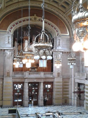 Kelvingrove Art Gallery and Museum : Organ recital at Kelvin Grove.