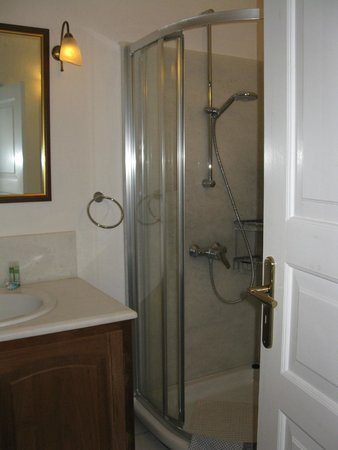 Chelidonia Villas: Hot shower with good water pressure