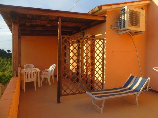 Hotel Villa Rita: la grande terrazza della dépendance