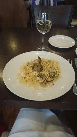 Don Sancillo: Spaghetti mit Muscheln und Scampi