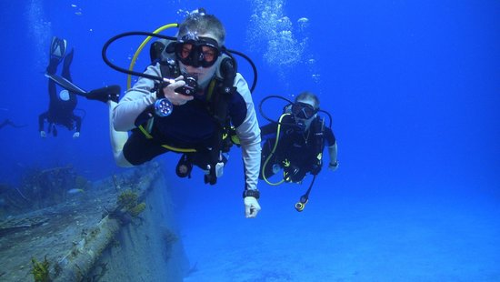 Reef Divers Cayman Islands: russian frigrate