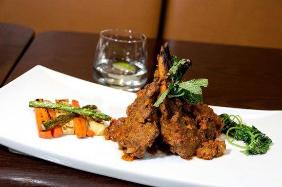 Moghul Fine Indian Cuisine: Lamb Chop Masala