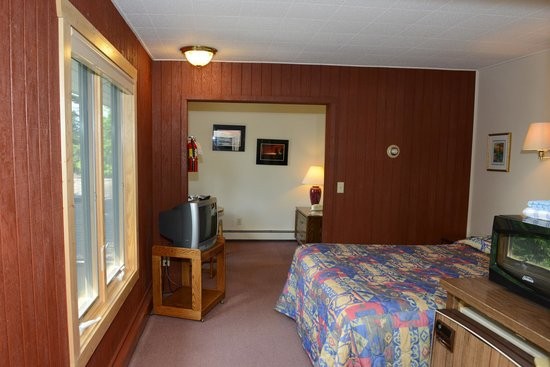Thomsonite Beach Inn & Suites : unit 9
