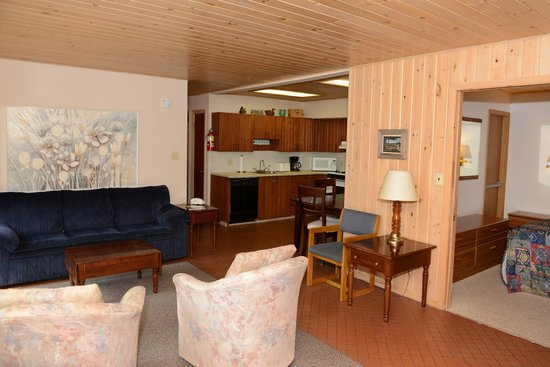 Thomsonite Beach Inn & Suites: unit 5