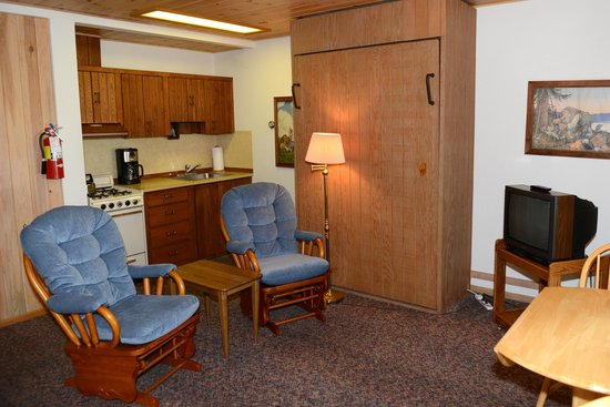 Thomsonite Beach Inn & Suites: unit 4