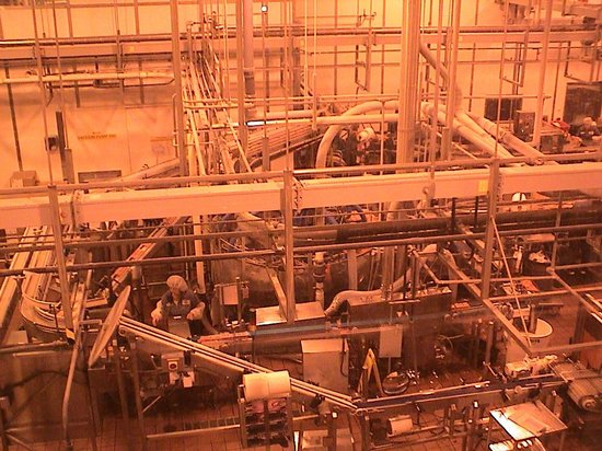 Tillamook Cheese Factory : The packaging end of the line