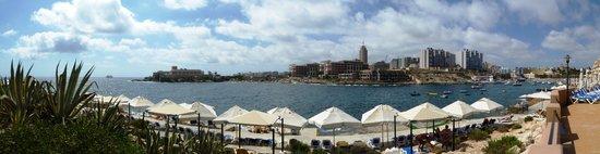 Marina Hotel Corinthia Beach Resort : Hotel vista dalla zona mare